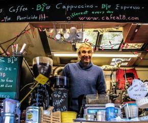 Café@8